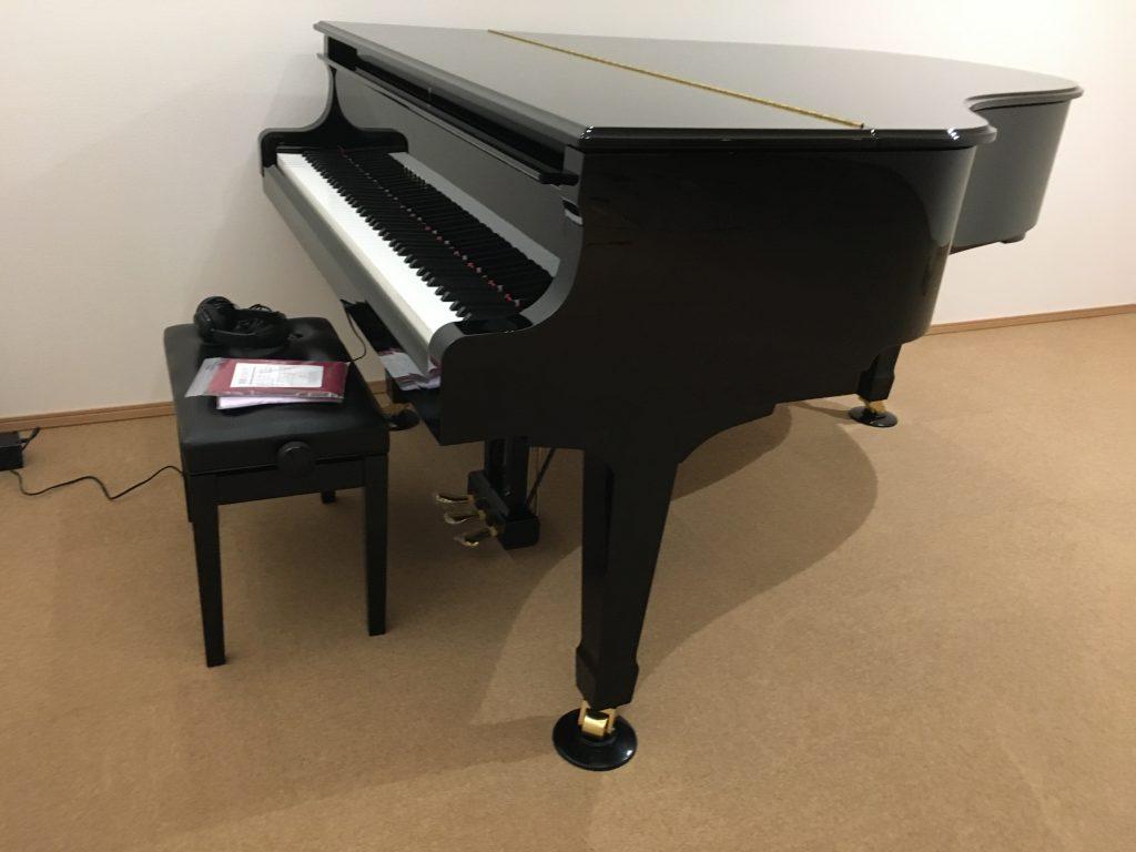 ヤマハのグランドピアノC3